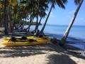 kayaks-onbeach